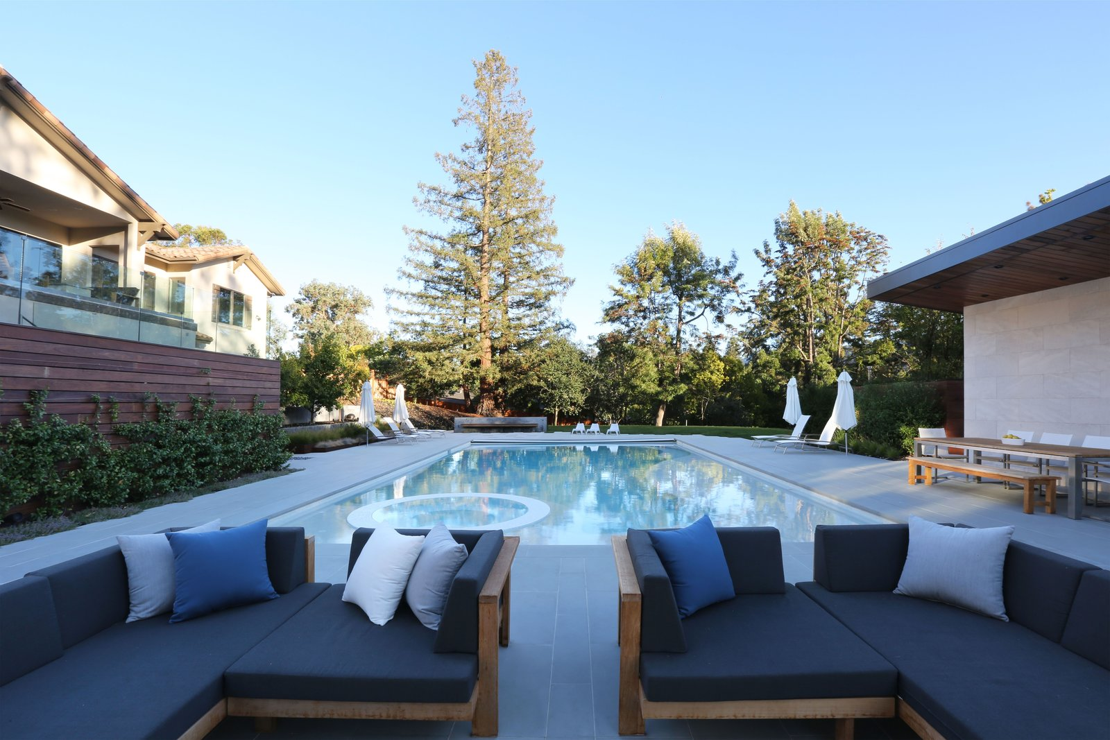 Pool Side Lounge Los Altos Hills Landscape by Greenblott Design