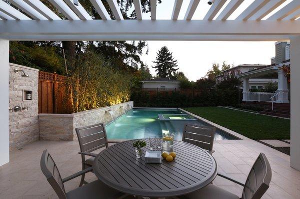 Dining Poolside Photo 4 of Palo Alto Landscape modern home