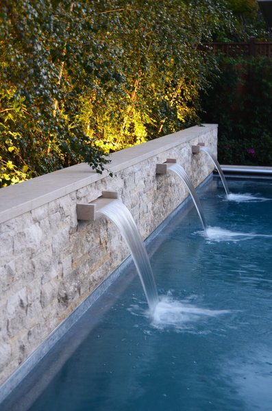 Pool Wall Fountains at Night with Birch Tree Light Photo 5 of Palo Alto Landscape modern home