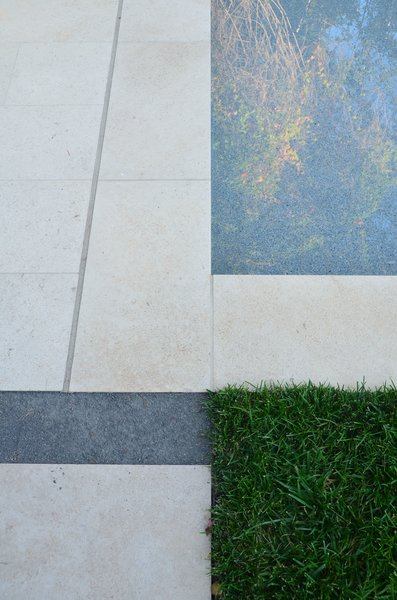 Paving at Pool Deck Edge Meeting Lawn Photo 6 of Palo Alto Landscape modern home