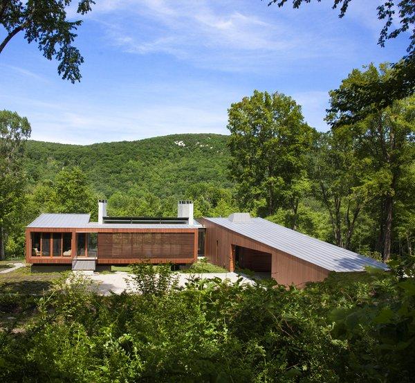 Photo 3 of Bridge House modern home