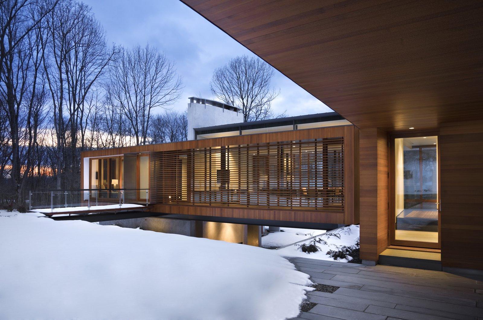 Bridge House by Joeb Moore & Partners
