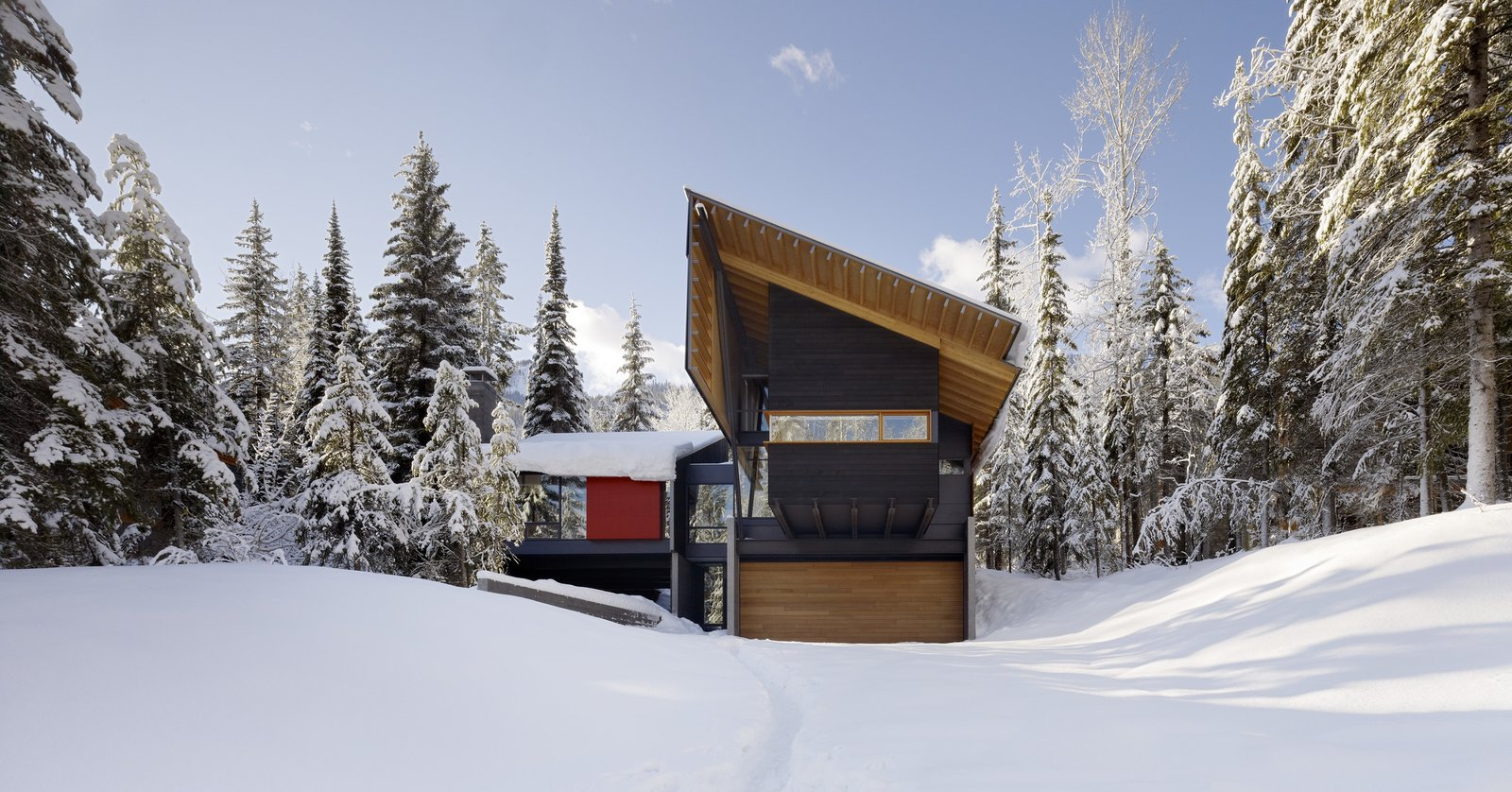Tagged: Outdoor and Front Yard. Kicking Horse Residence by Bohlin Cywinski Jackson