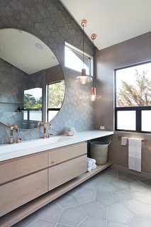 Thoughtful Design Details Warm Up a Modern Family Home in Northern California - Photo 6 of 8 -