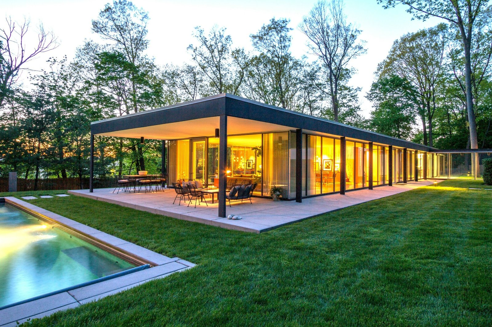 A Renovated, Midcentury Glass-and-Steel House in New York Asks $2.45 ...