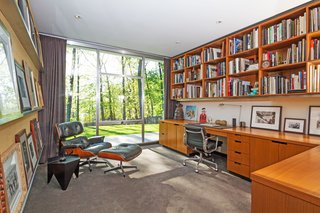 A Renovated, Midcentury Glass-and-Steel House in New York Asks $2.45M - Photo 6 of 9 -