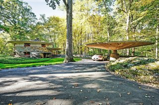 A Usonian Masterpiece by Frank Lloyd Wright Is on the Market For $1.5M - Photo 9 of 9 -