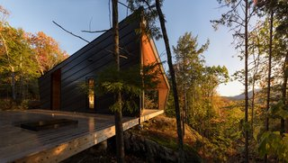 A Prefab Cabin in New Hampshire Is a Magnificent Mountain Retreat - Photo 1 of 18 -