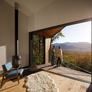 A Prefab Cabin in New Hampshire Is a Magnificent Mountain Retreat - Photo 7 of 18 -
