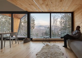 A Prefab Cabin in New Hampshire Is a Magnificent Mountain Retreat - Photo 12 of 18 -