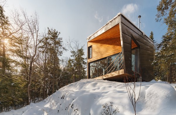 A Prefab Cabin in New Hampshire Is a Magnificent Mountain Retreat