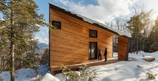 A Prefab Cabin in New Hampshire Is a Magnificent Mountain Retreat - Photo 17 of 18 -