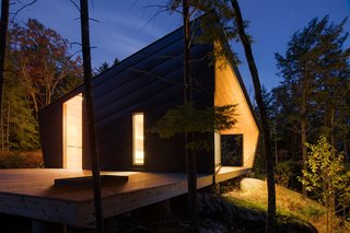 A Prefab Cabin in New Hampshire Is a Magnificent Mountain Retreat - Photo 5 of 18 -