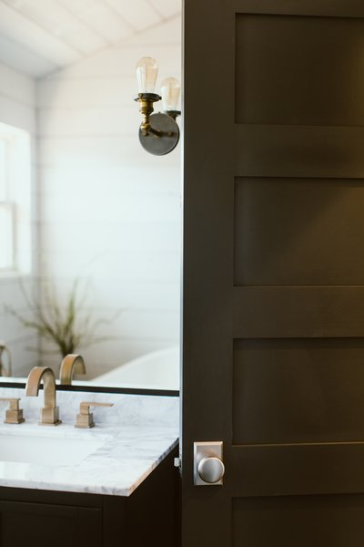 Photo 4 of Gullett House modern home