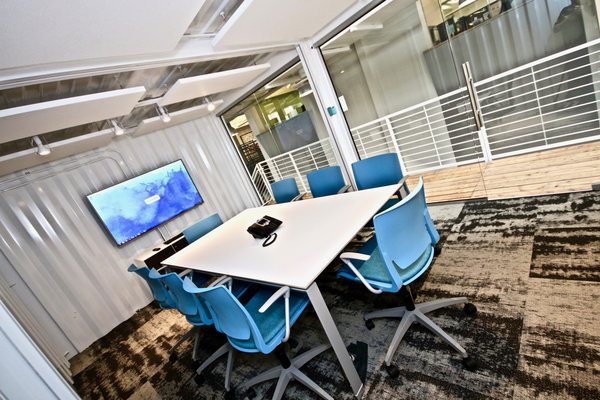 Office area - Workbox Photo 10 of Creative Workbox modern home