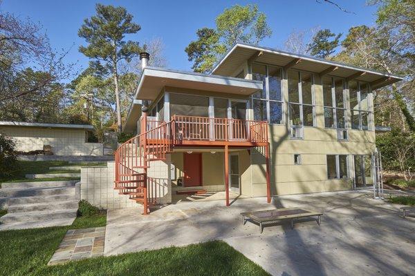 1020 Highland Woods Photo 2 of MODERNIST HIDEAWAY modern home