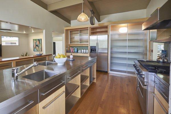 1020 Highland Woods Photo 13 of MODERNIST HIDEAWAY modern home