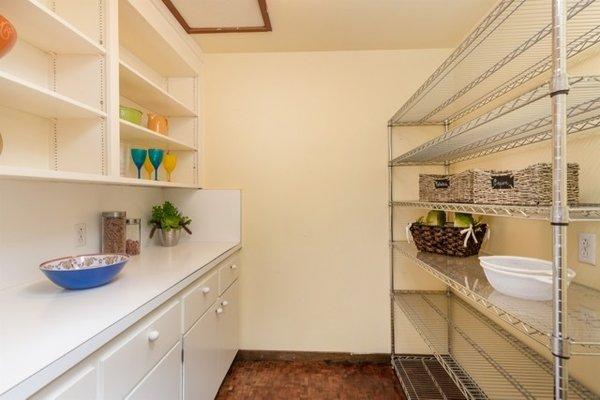 Modern home with kitchen. Photo 19 of Nuovo Mondo - Los Gatos Treehouse