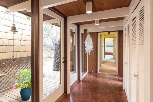 Modern home with hallway and dark hardwood floor. Photo 4 of Nuovo Mondo - Los Gatos Treehouse