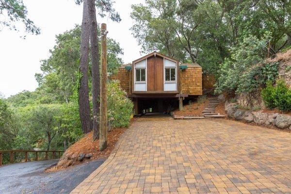 Modern home with outdoor. Photo 2 of Nuovo Mondo - Los Gatos Treehouse