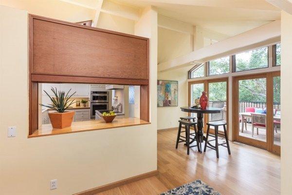 Modern home with kitchen. Photo 16 of Nuovo Mondo - Los Gatos Treehouse
