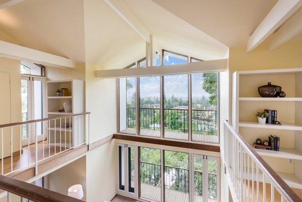 Photo 6 of Nuovo Mondo - Los Gatos Treehouse modern home