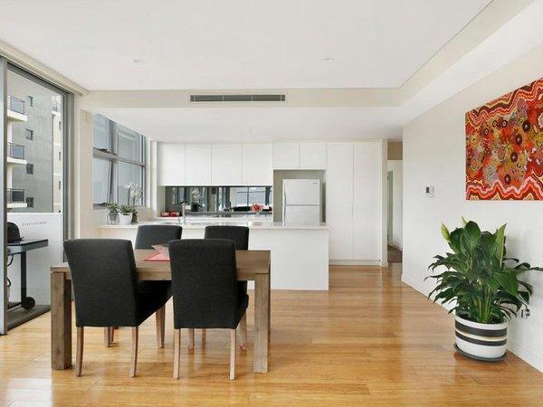 Photo 5 of Sergio Palace modern home