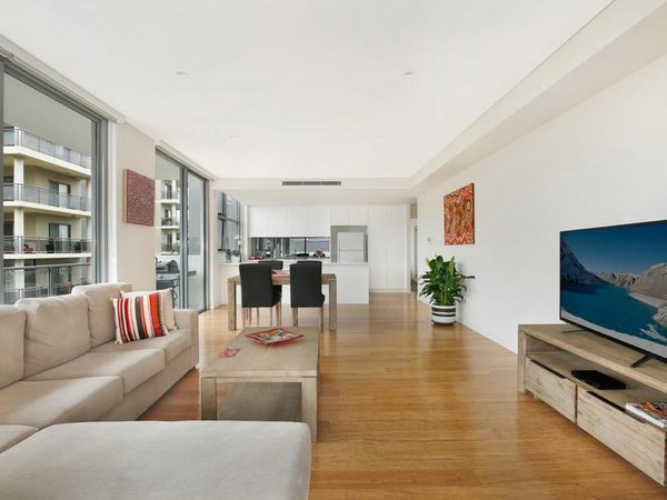 Photo 9 of Sergio Palace modern home