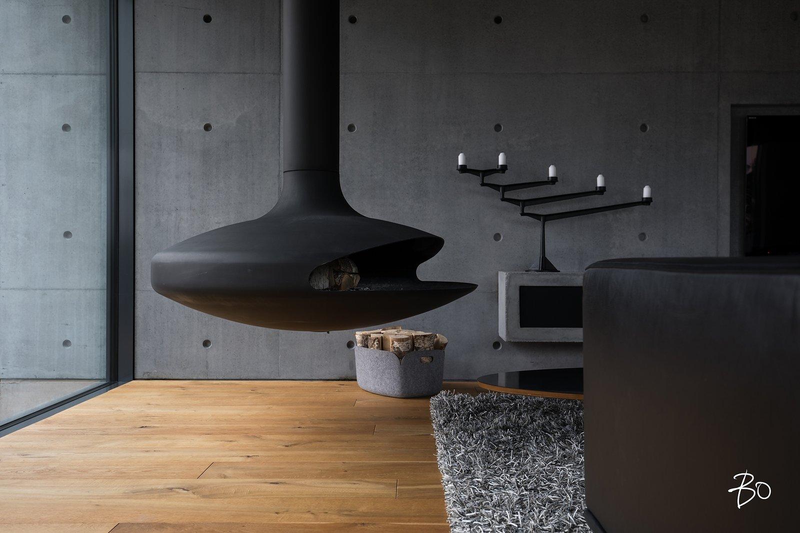 Living room fireplace / Gyrofocus  (Dominique Imbert 1968) villAma by Kari Leino