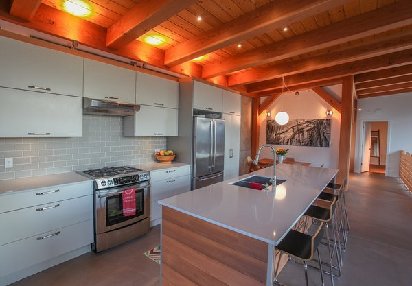 Timber Frame Warmth! Photo 2 of Sea to Sky's 1st ENERGY STAR New Home modern home