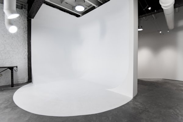Studio cyclorama wall Photo 18 of Studio GoodLight modern home