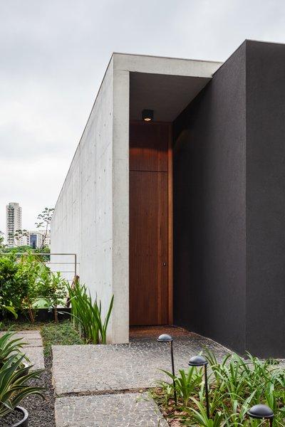 Photo 12 of Mattos House modern home