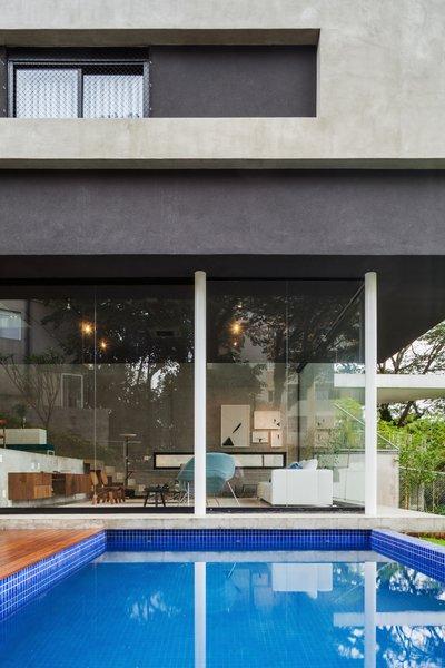 Photo 9 of Mattos House modern home
