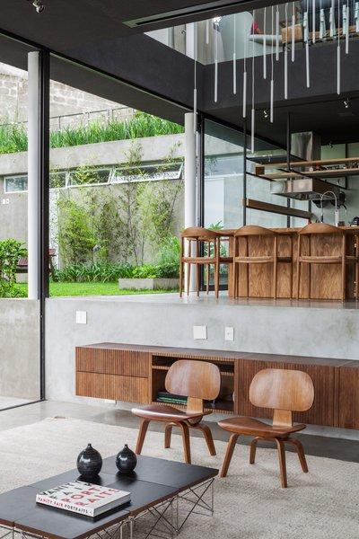 Photo 4 of Mattos House modern home