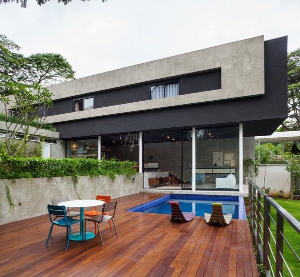 Photo 10 of Mattos House modern home