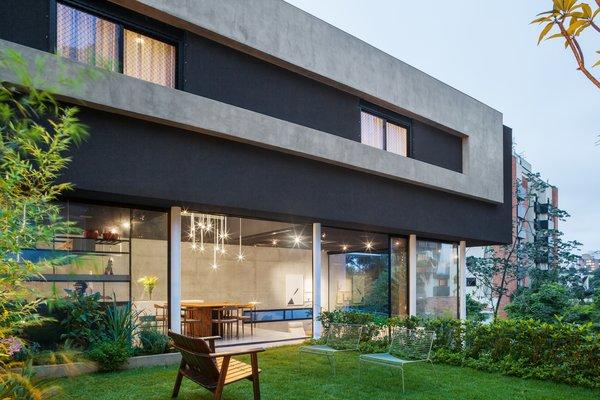 Photo 17 of Mattos House modern home
