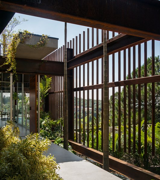 Photo 15 of Mirante House modern home