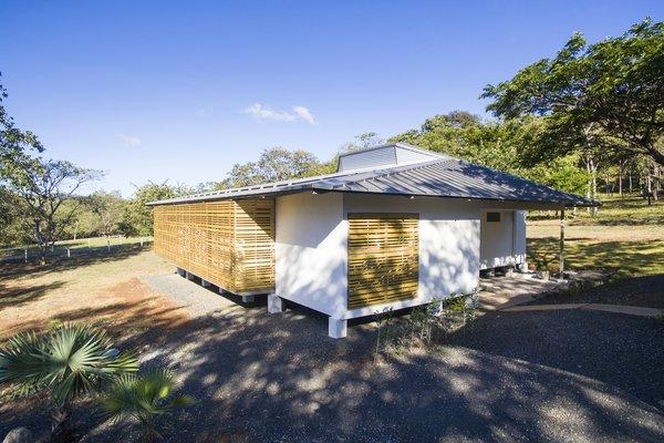 Tropik Works | VOID Cr Photo 4 of Tropik Works modern home