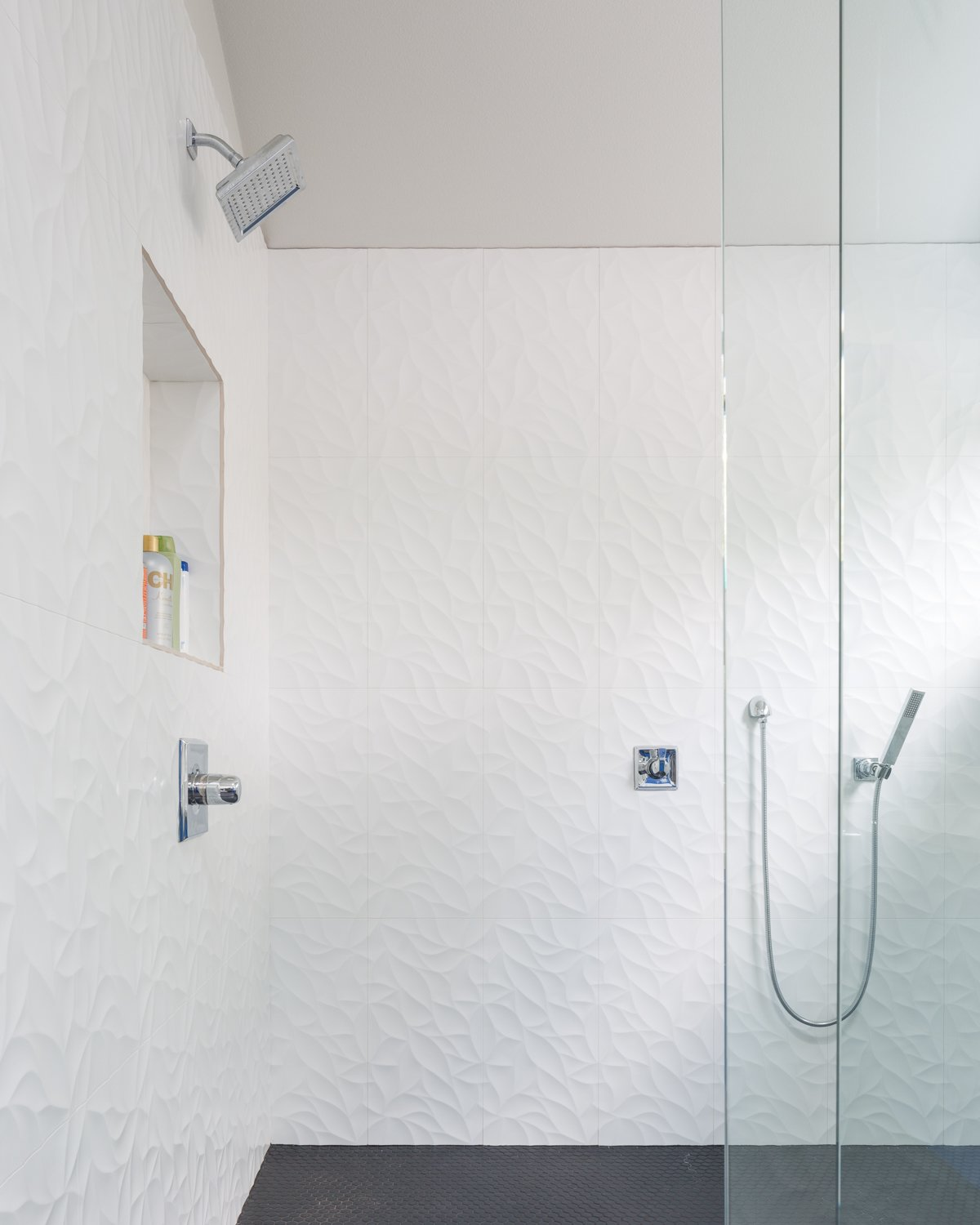 Bathroom Tagged: Bath Room, Open Shower, and Ceramic Tile Wall. Norris House by Davey McEathron Architecture