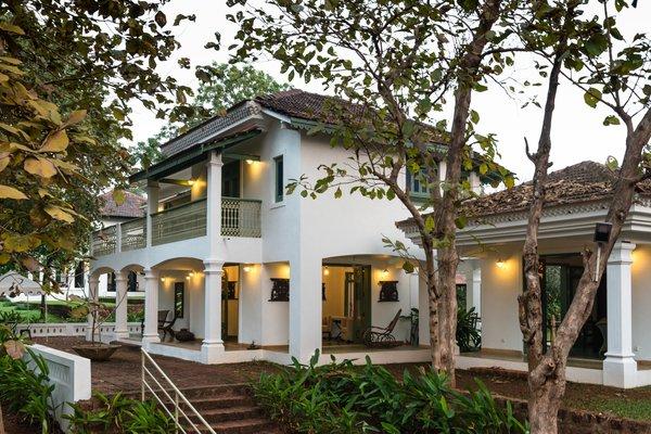 Villa: Exterior Photo 3 of Champakali modern home