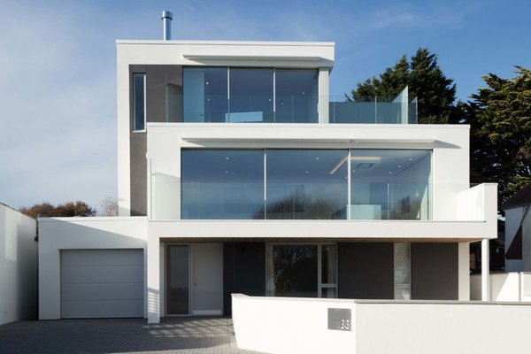 Photo  of House on the cliff top modern home