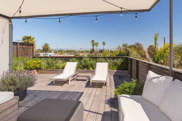 Roof Deck Photo 15 of Venice Beach Compound modern home