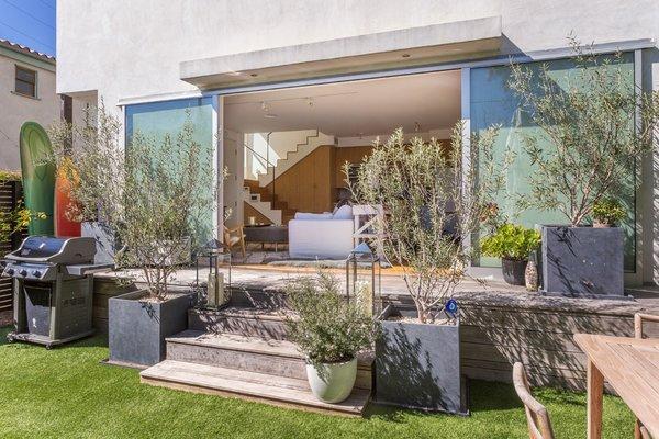 Photo 20 of Venice Beach Compound modern home