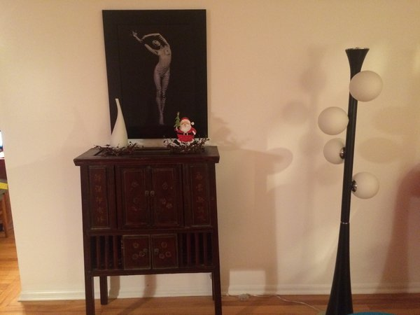 Floor lamp in living room is a good match to the theme as well Photo 12 of The Bubbles House modern home