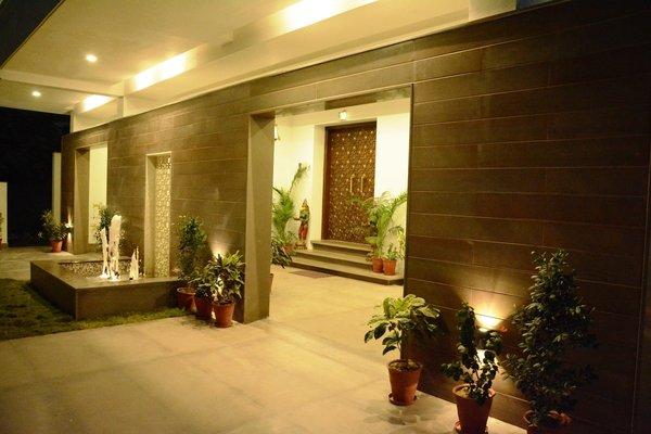 Entrance Photo 2 of SURAJ - BUNGALOW modern home