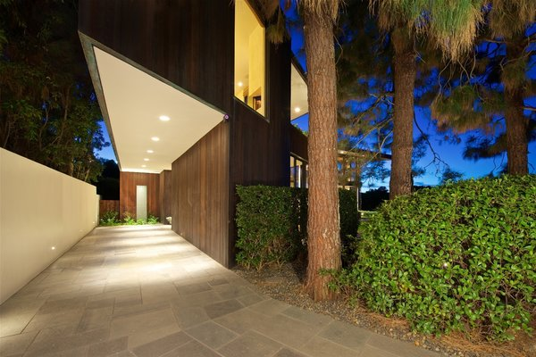 Entry Photo 4 of La Jolla Ocean Front Contemporary Home by Henry Hester! modern home