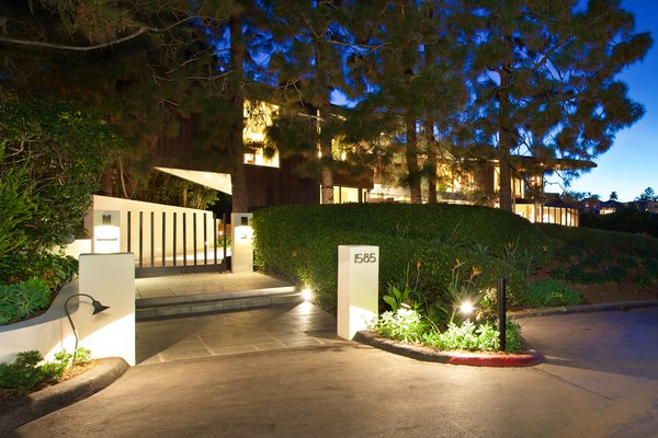 Photo 2 of La Jolla Ocean Front Contemporary Home by Henry Hester! modern home