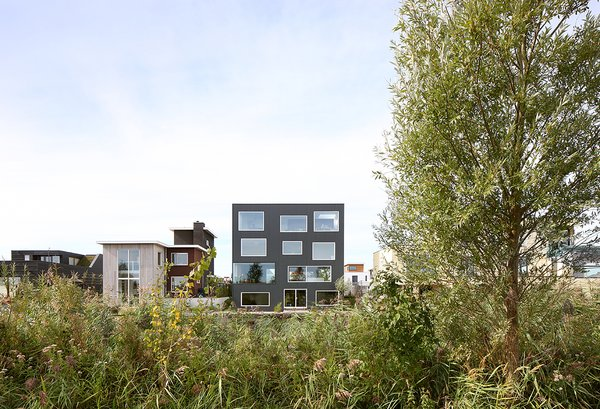 Photo  of House With 11 Views modern home