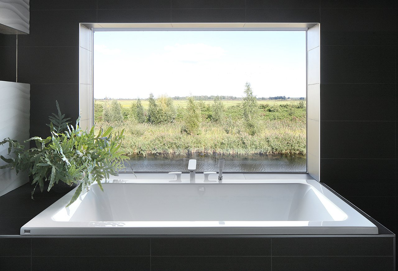 Tagged: Bath Room and Drop In Tub.  House With 11 Views by Marc Koehler