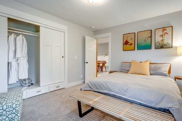 Queen-sized organic mattress and eco-luxury bedding in the second bedroom. Photo 9 of Chic Mid-Century in Oregon Wine Country modern home
